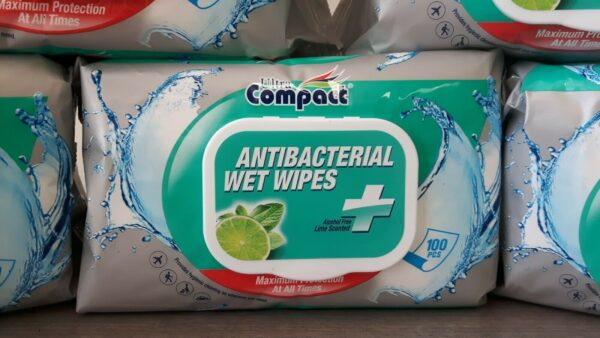 Anti-Bacterial Wet Wipes 100 per pack Ultra Compact ideal for travel pack